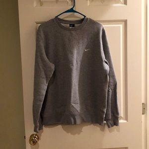 like new NIKE crewneck sweatshirt